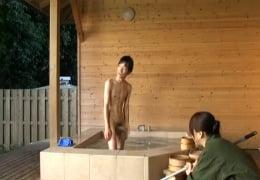 露天風呂 仲居