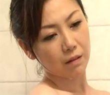 沢村麻耶 憧れていた四十路人妻のサーモンピンクに震える青年
