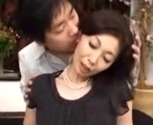 感度抜群五十路熟女の潮吹き狂乱初撮りドキュメント  浅田奈保子