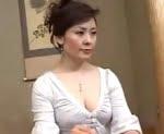 息子も魅了する五十路熟女の巨大なお尻 神津千絵子(黒崎ヒトミ)