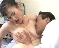 【熟女 横領 動画】五十路の熟女のsex無料obasan動画。熟れた肉体で横領した金をSEXで返済する五十路熟女OL