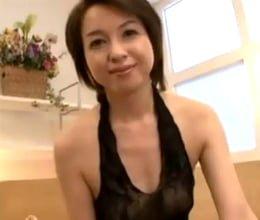【四十路無料動画】親戚の綺麗な四十路叔母さんをオカズにして妄想でシコっていたら…神崎久美