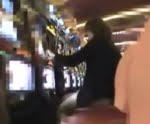 パチ&スロで負けて店を出た熟女に狙いを定めてナンパ!「奥さん気持ちよくて金も稼げる方法ありますよ!」