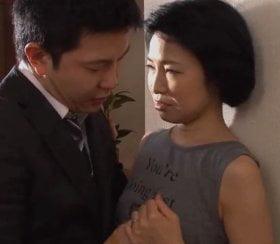 SEXを拒み抵抗する別れた元妻の性器を無我夢中で貪る元旦那 早川りょう