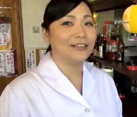 中華料理屋の普通のおばちゃんが挑んだAV初撮りドキュメント 三峰かずこ ...