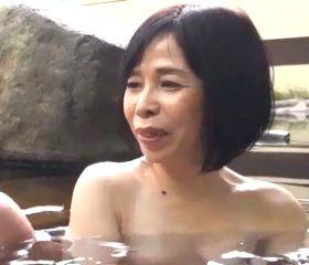 隔世近親相姦~還暦祖母の裸体を無我夢中で貪る孫 田所真紀