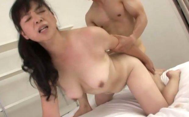 吉澤清美 田村みゆき 巨尻熟女のAV初撮り