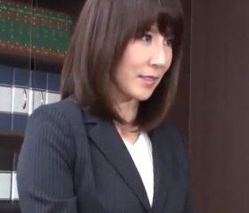 圧迫羞恥面接にも耐えて再就職した会社で肉便器に堕ちていく44歳主婦