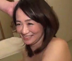 上品系の五十路人妻が15年ぶりのSEXに酔いしれる旦那公認ハメ撮り