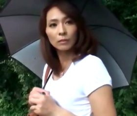 ストーカー青年を性欲のはけ口にした貧乳四十路主婦 矢部寿恵