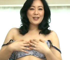 全身性器状態で身悶えるムチッと熟れた巨尻が悩ましい四十路主婦 藤村美枝子(46)