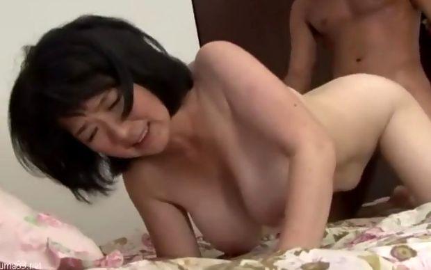 上島美都子 巨尻熟女の近親相姦