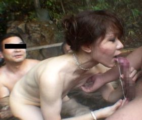 43歳素人熟女の過激で生々しすぎる露出調教ドキュメント