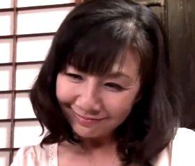 友人母の誘惑~恋愛ドラマにハマって色気づいた五十路おばちゃん