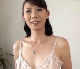 四十路初撮り 白い美肌とピンク乳首がそそる43歳の人妻 羽鳥澄香