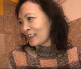 北海道旅行で若者にナンパされた五十路熟女の行きずりラブホ浮気