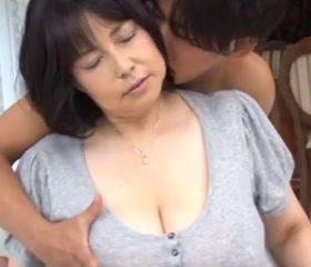 驚異的な123cmのLカップ爆乳をぶら下げたアラフィフ熟女 富沢みすず49歳