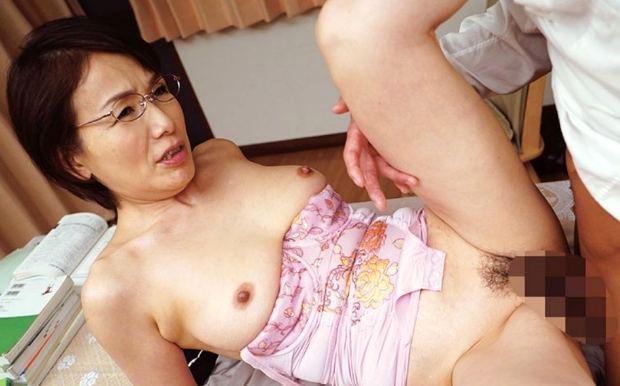 内原美智子 六十路おばさん家庭教師