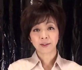 真面目な主婦の仮面を脱ぎ捨てた44歳人妻の恍惚セックス 桐嶋永久子