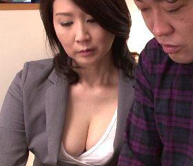 巨乳・巨尻の肉感的な女体で契約をもぎ取る四十路生保レディ 吉岡奈々子