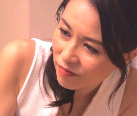 息子の同級生たちのザーメン便器に堕ちていく四十路熟女 井上綾子
