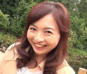 塚田由美 キュートな四十路人妻