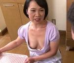 橋田敏子 五十路熟女の谷間
