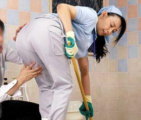 男たちをムラっとさせるお掃除おばさんたちの卑猥な巨尻