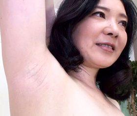 五十路熟女たちの裸体を舐め回すように撮影したヘアヌード動画集