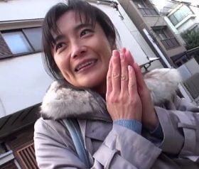 五十路ハメ撮り 感じっぷりがエロいスレンダー主婦 里枝子50歳