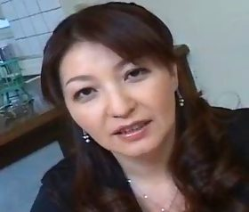 ドスケベそうな雰囲気がそそる爆乳・巨尻の豊満四十路熟女 麻宮良子(40)