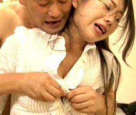 生徒やモンペ親の中出し肉便器にされた熟女教師の輪姦レイプ事件